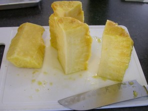 Grilled Pineapple - pineapple prep