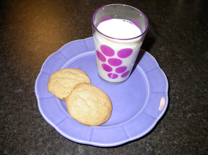 Coconut-Almond Cookies - served
